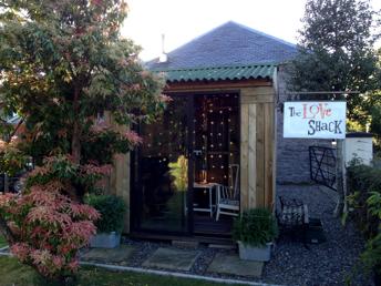 Love_shack